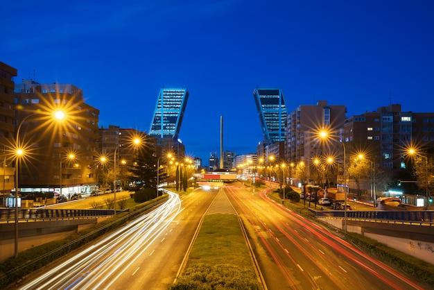 Het castilla-plein (plaza castilla) is het nieuwe economische centrum van madrid, spanje.