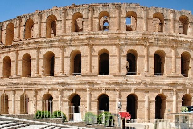 Het colosseum in el jem - het op twee na grootste ter wereld en het beste op het gebied van veiligheid.