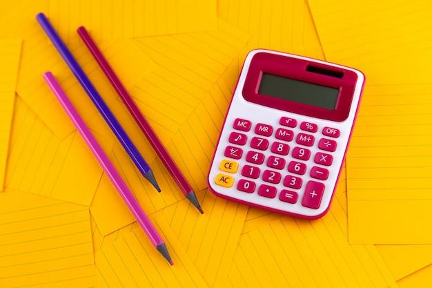 Het concept van analyse, analyse, berekeningen.