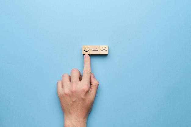 Het concept van een goed humeur en een positieve beoordeling.