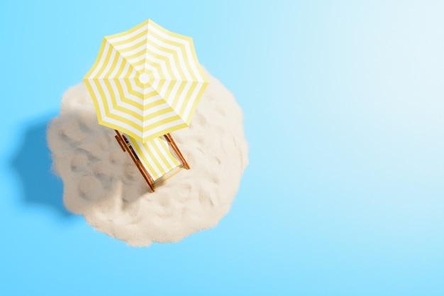 Het concept van een tropische vakantie. paradijseiland in de oceaan met een ligstoel onder een parasol op het zand, bovenaanzicht. blauwe achtergrond met kopie ruimte Premium Foto