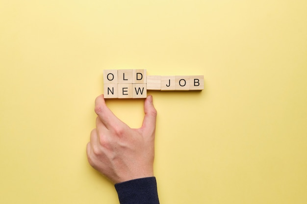 Het concept van het vervangen van het oude door een nieuwe baan.