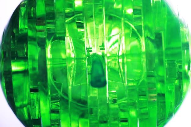 Het conceptontwerp, abstracte groene geometrische achtergrond, architecturale glasconstructie