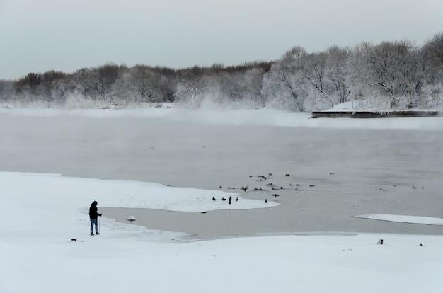 Het de winterlandschap in het kolomenskoye-park in moskou