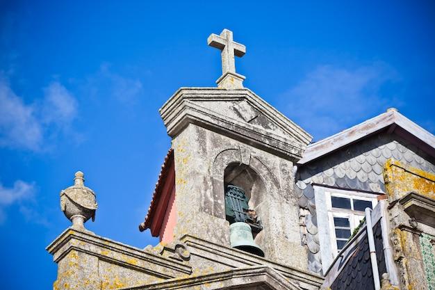Het detail van de steenkerk, porto, portugal. horizontale opname met vignettering