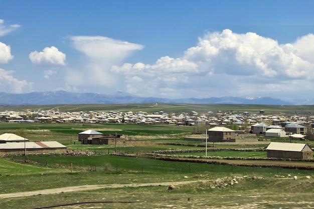 Het dorp in de bergen van de kaukasus, armenië