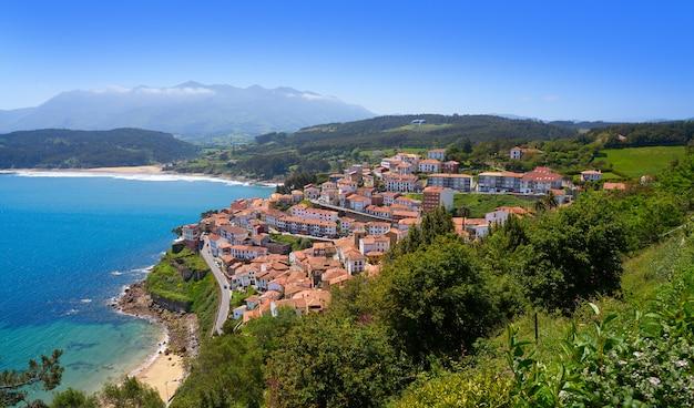 Het dorp van lastres colunga in asturias spanje