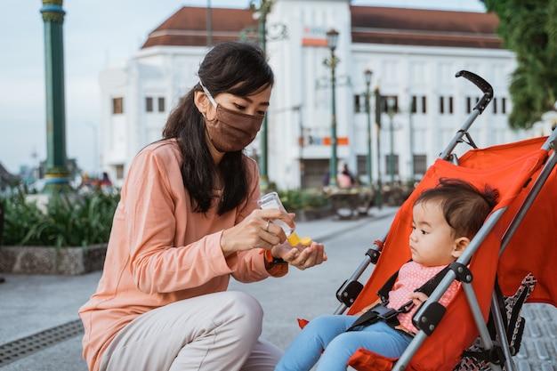 Het dragen van gezichtsmaskers op nieuw normaal