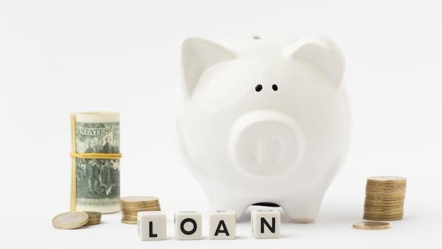 Het geldstorting en lening van het spaarvarken