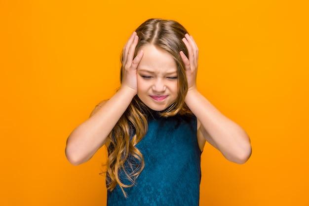 Het gezicht van triest tiener meisje