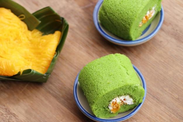 Het groene zoete dessert van de broodjescake