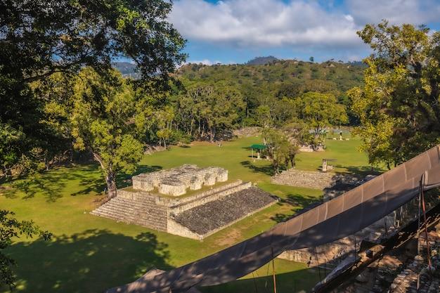 Het haarspel van bovenaf gezien in de tempels van copan ruinas. honduras
