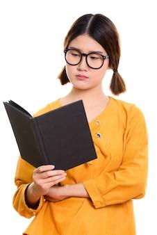 Het jonge mooie aziatische boek van de vrouwenlezing