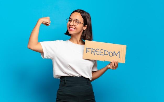 Het jonge mooie concept van de vrouwenvrijheid