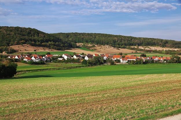 Het kleine dorp in beieren, duitsland