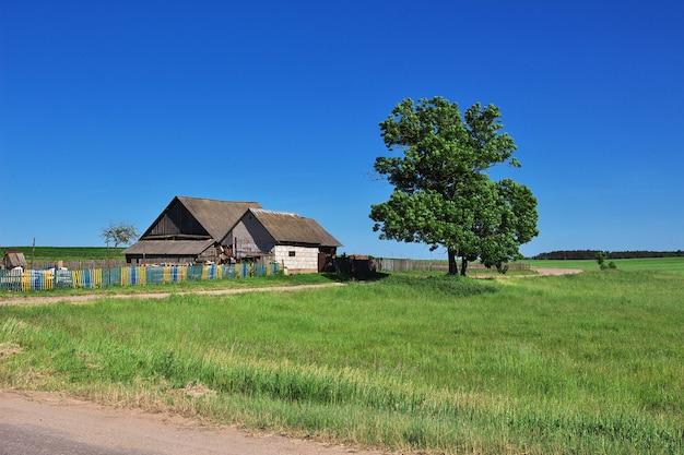 Het kleine dorp in wit-rusland