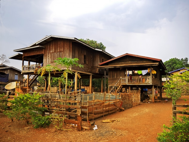 Het kleine dorpje in het zuiden van laos