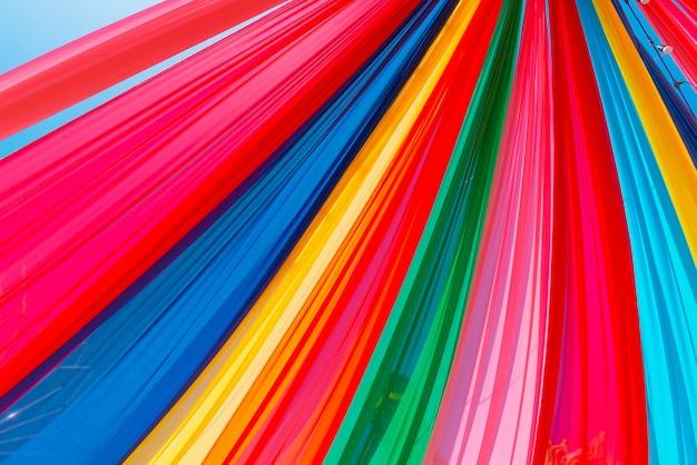 Het kleurrijke patroon van de gordijntextuur, partijconcept