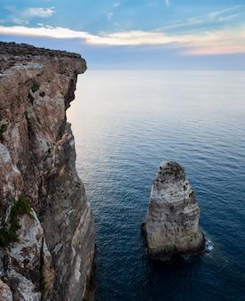 Het klif sacramento, lampedusa