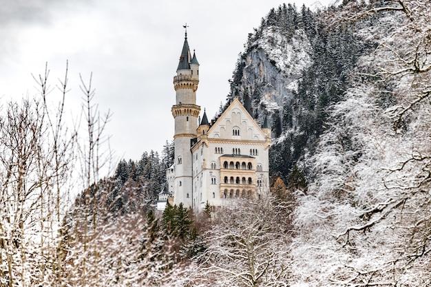 Het koninklijke kasteel neuschwanstein in beieren, duitsland