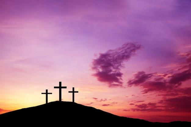 Het kruis op de heuvel, jezus christus van de waarheid uit de bijbel