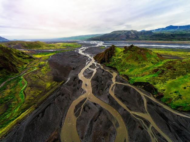 Het landschap van thorsmork in hoogland van ijsland.