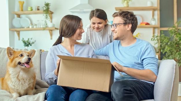 Het leven gemakkelijker maken met nieuwe technologie met online winkelen.