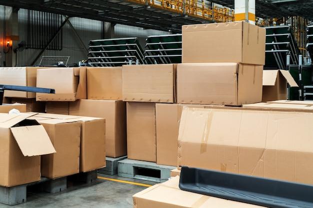Het magazijn van het fabrieksmagazijn