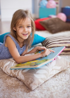 Het meest favoriete boek van een klein meisje