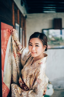 Het meisje, schattig met japanse yukata
