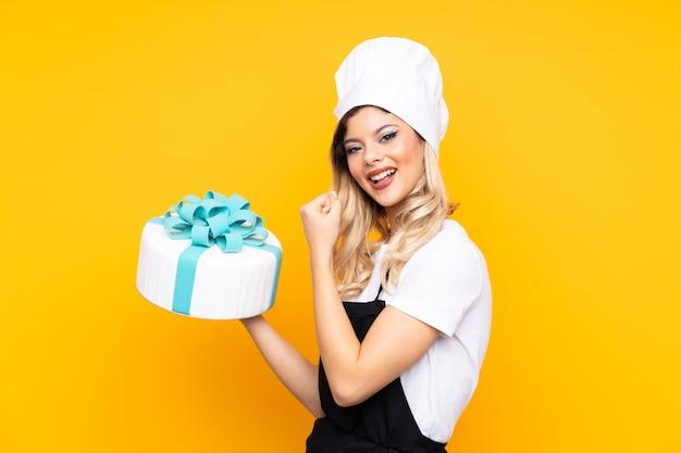 Het meisjesgebakje dat van de tiener een grote cake houdt