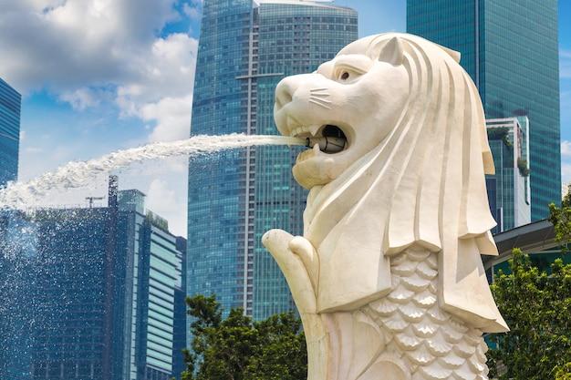 Het merlion-symbool van het fonteinstandbeeld van singapore