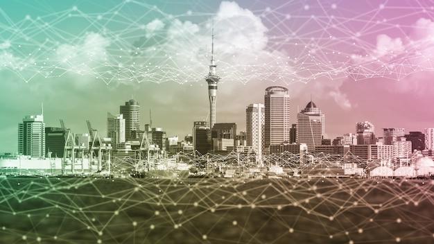 Het moderne creatieve communicatie- en internetnetwerk maakt verbinding in smart city. concept van 5g draadloze digitale verbinding en internet van toekomstige dingen.