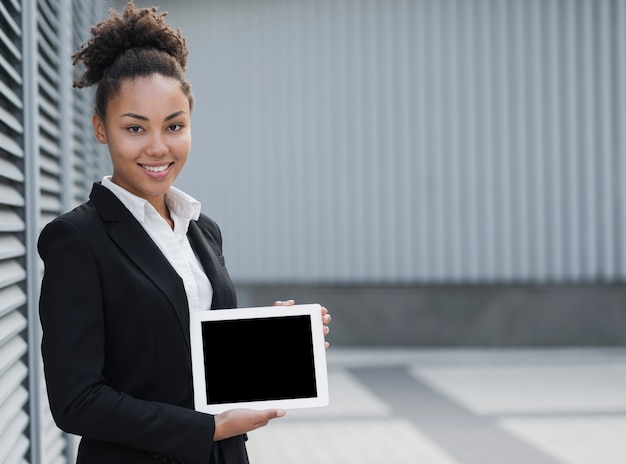 Het mooie model van de bedrijfsvrouwenholding