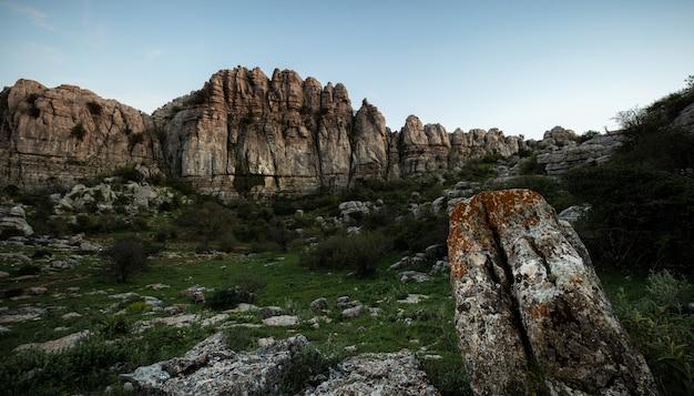 Het natuurpark torcal de antequera bevat een van de meest indrukwekkende voorbeelden van karstlandschap in europa