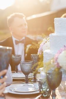 Het nieuw getrouwde stel en gasten