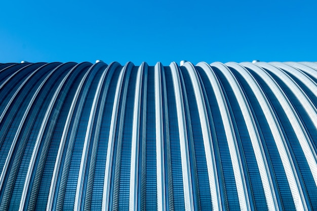 Het oppervlak van een industriële metalen dak abstracte achtergrond