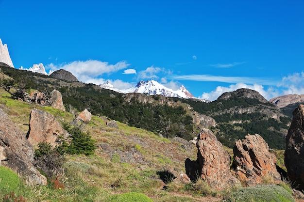 Het panorama-uitzicht sluit fitz roy, el chalten, patagonië, argentinië