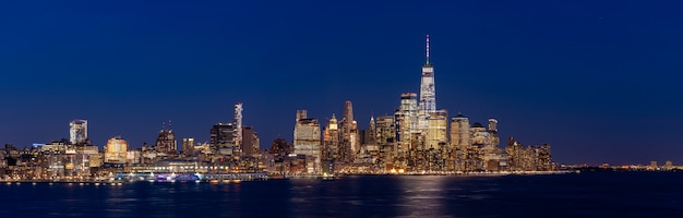 Het panorama van lower manhattan new york