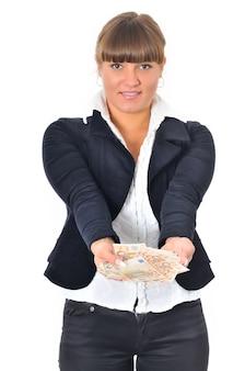 Het portret van glimlachende kaukasische witte vrouw wint en krijgt contant geld.