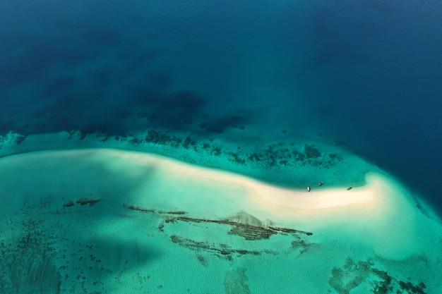 Het prachtige tropische eiland zanzibar, bovenaanzicht