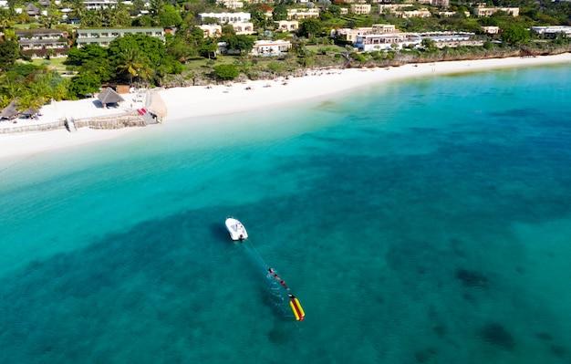 Het prachtige tropische eiland zanzibar luchtfoto.