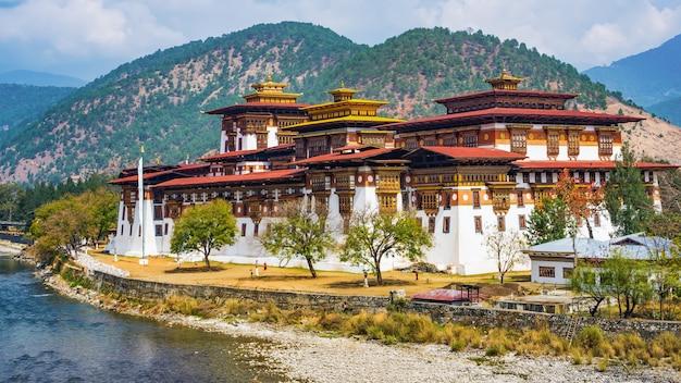 Het punakha dzong-klooster in bhutan azië
