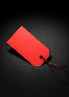 Het rode prijskaartje van de exemplaar ruimteverkoop