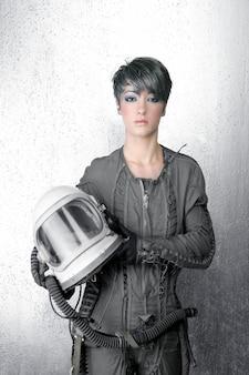 Het ruimteschip van de manier zilveren vrouw astronautenhelm