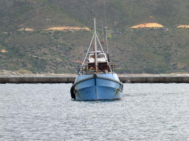 Het schip in een van de kleine stad, zuid-afrika