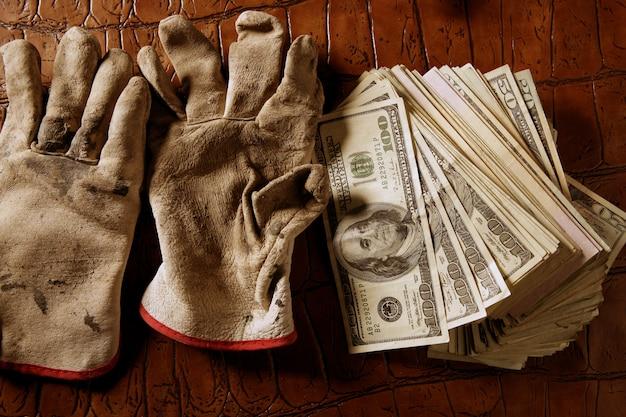 Het schoonmaken van de zwarte metafoor van de gelddollar