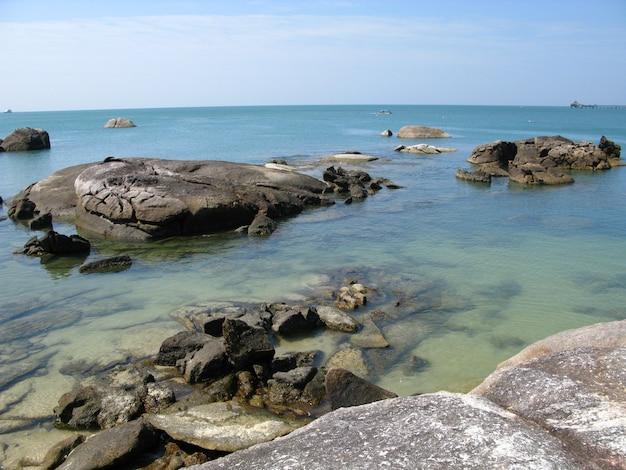Het strand in langkavi-eiland, maleisië