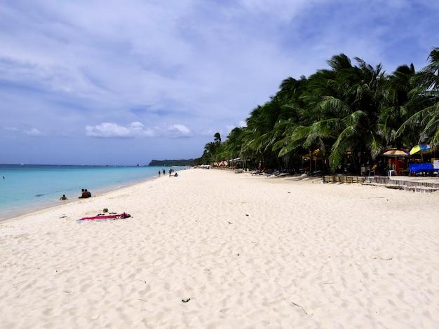 Het strand op boracay-eiland, filippijnen