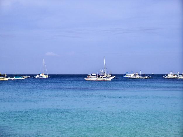 Het strand op het eiland boracay, filipijnen
